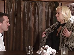 blonde mature charlie assfucked in a bar anal troia milf